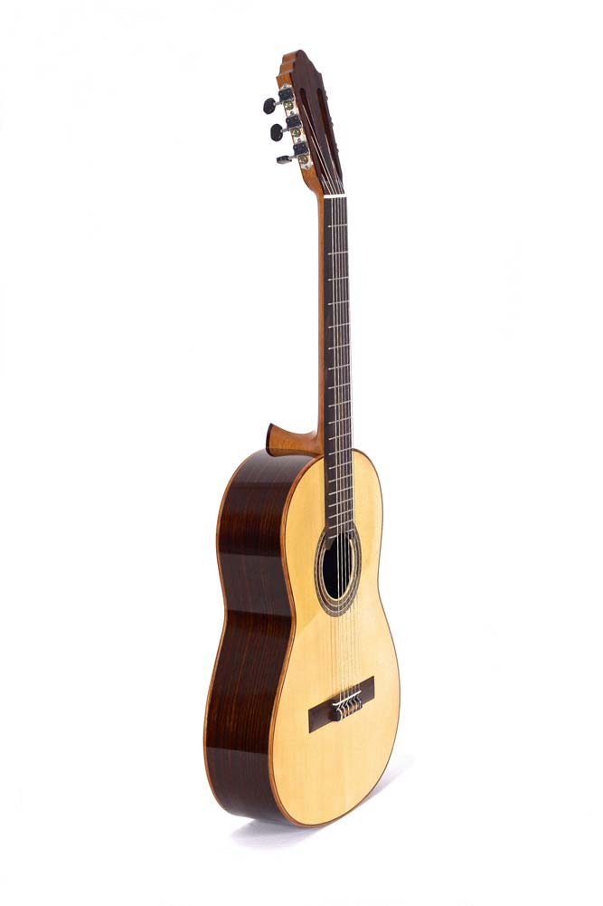 classical-guitar-9096