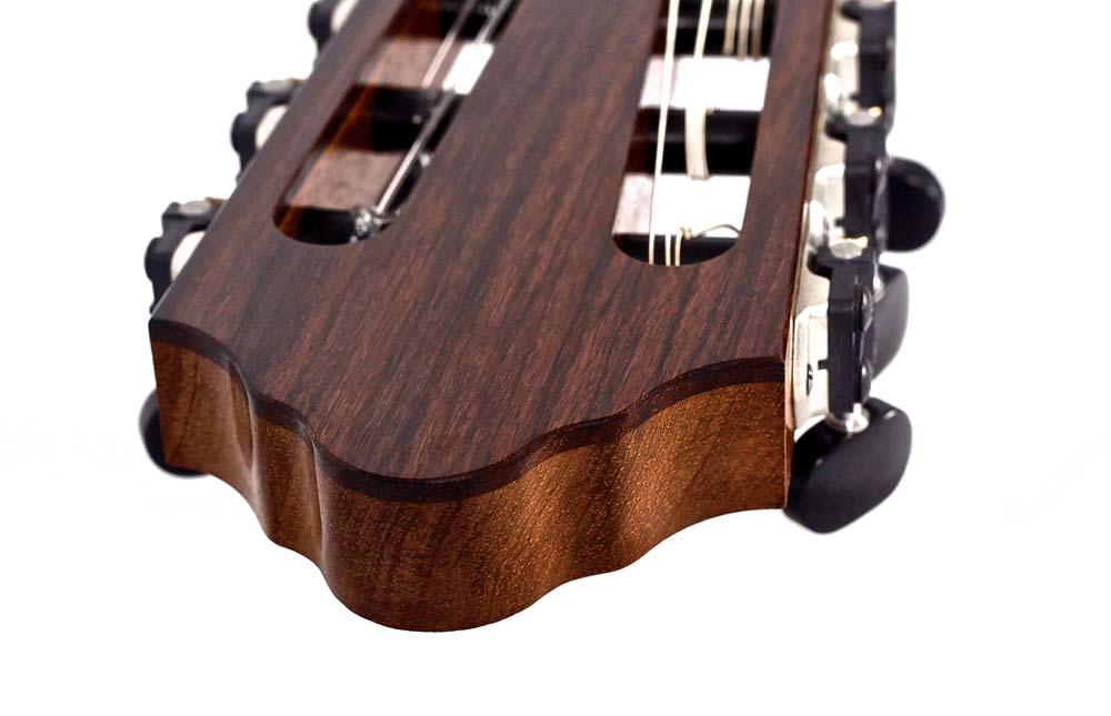 classical-guitar-head_9136