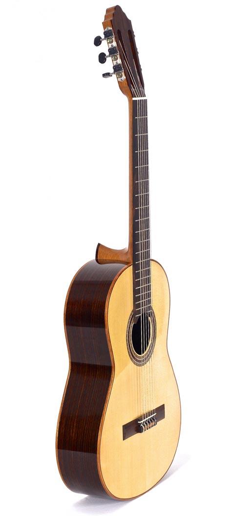classical-handmade-guitar-front-9096